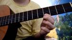 Уроки игры на гитаре: способы и программы